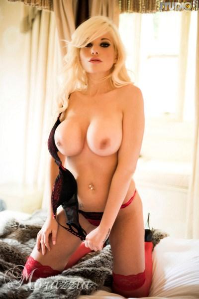 spragniona blondynka
